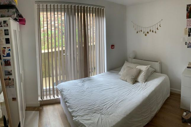 Thumbnail Flat to rent in Parson Street, London