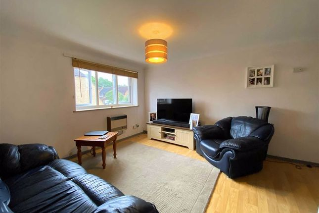 Thumbnail Flat for sale in Deerhurst Place, Quedgeley, Gloucester