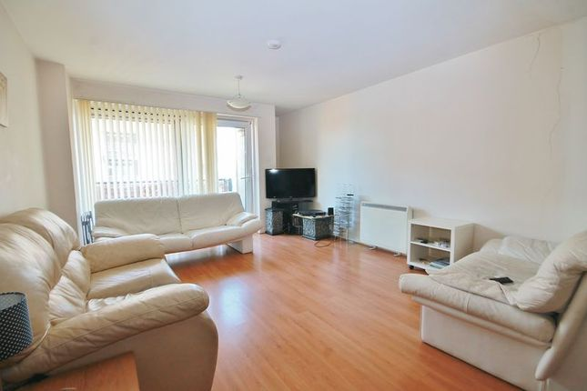 Thumbnail Flat to rent in Lowestoft Mews, London
