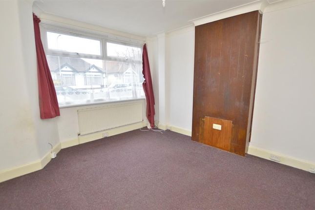 Thumbnail Property to rent in Mordon Road, Ilford, Essex