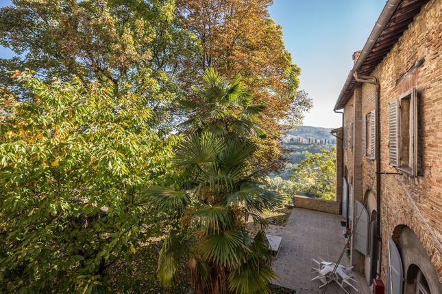 Thumbnail Town house for sale in Urbino, Urbino, Pesaro And Urbino, Marche, Italy