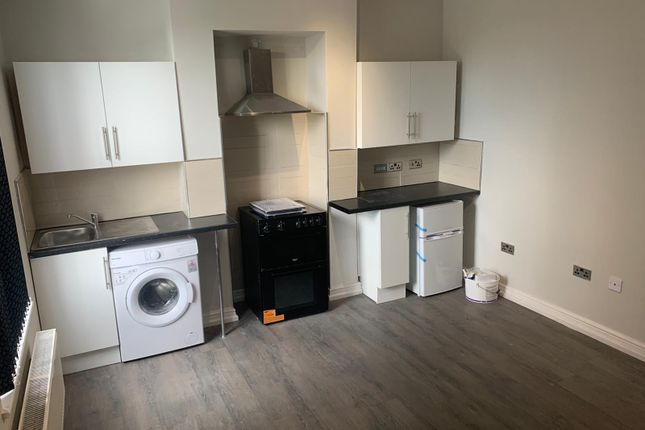 Thumbnail Flat to rent in Steppingstone Street, Dudley