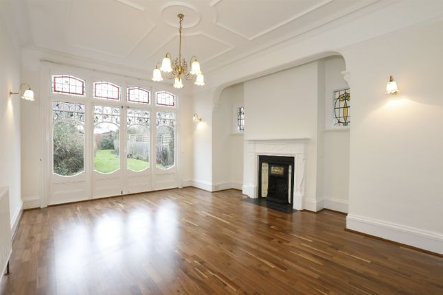 Thumbnail Property to rent in Woodwarde Road, Dulwich