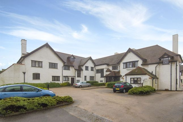 Thumbnail Flat for sale in Stretton Close, Penn, High Wycombe