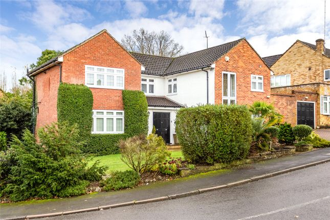Picture No. 13 of Woodfield Rise, Bushey WD23