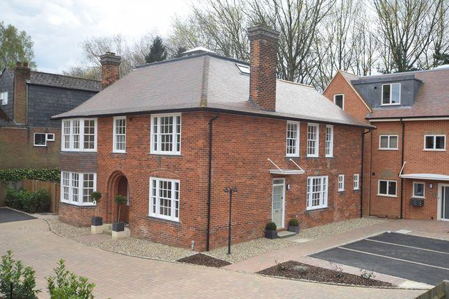 Thumbnail Flat for sale in Gunnells, Fairview Road, Stevenage, Hertfordshire