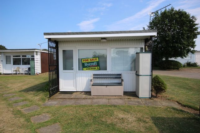 2 bed detached bungalow for sale in Sundowner, Hemsby, Great Yarmouth