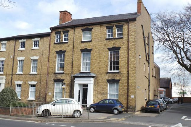 Thumbnail Flat to rent in Flat 2, 24 Warwick Street, Rugby