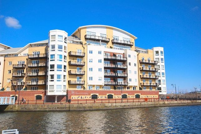 Thumbnail Flat for sale in Adventurers Quay, Cardiff