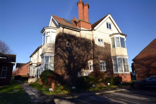 Thumbnail Flat for sale in The Mount, Cleethorpes, North East Lincolns