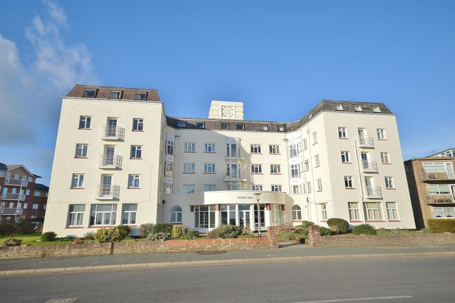 Flat for sale in Oulton Hall, Marine Parade East, Clacton-On-Sea