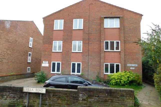 Flat to rent in Villa Road, Luton, Beds