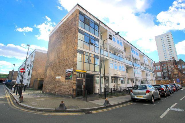 3 bed flat for sale in Bigland Street, London E1