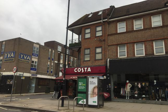 Flat to rent in Lodge Lane, North Finchley
