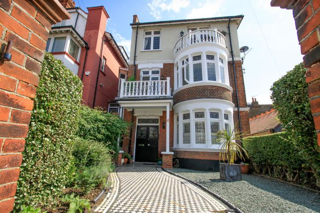 Thumbnail Flat for sale in Pembury Road, Westcliff-On-Sea