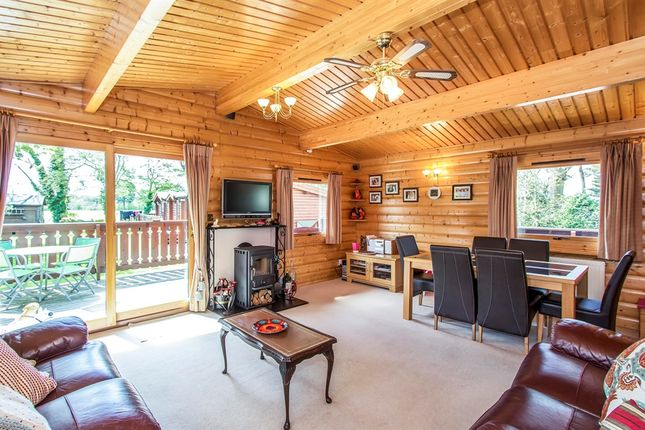 Thumbnail Lodge for sale in Merley House Lane, Ashington, Wimborne