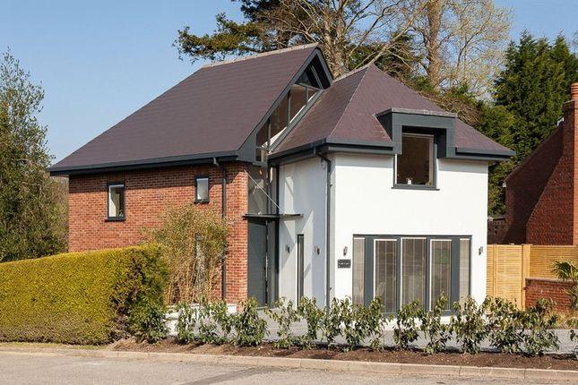 Thumbnail Detached house for sale in Camden Park, Tunbridge Wells