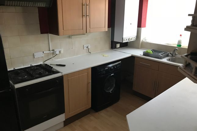 Thumbnail Semi-detached house to rent in Berners Close, Slough