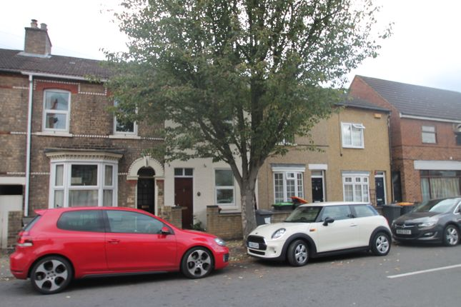Thumbnail Terraced house to rent in Howbury Street, Bedford