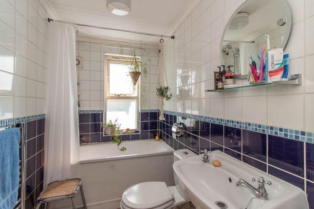 Bathroom of Recreation Road, Sydenham SE26