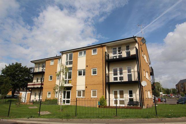 2 bed flat for sale in Matfield Close, Ashford