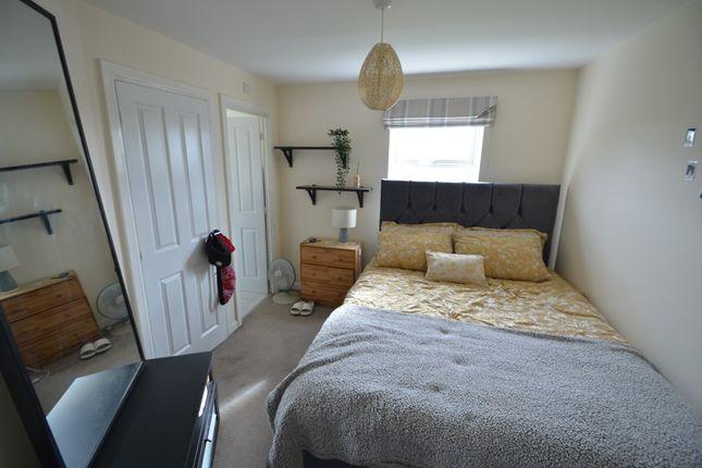 Bedroom One of Kestrel Grove, Hucknall, Nottingham NG15