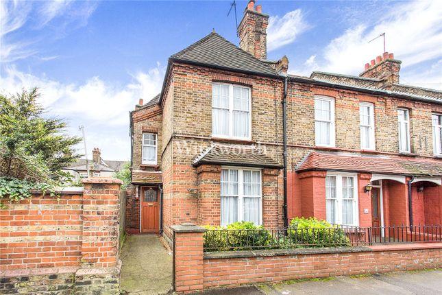 End terrace house for sale in Farrant Avenue, London