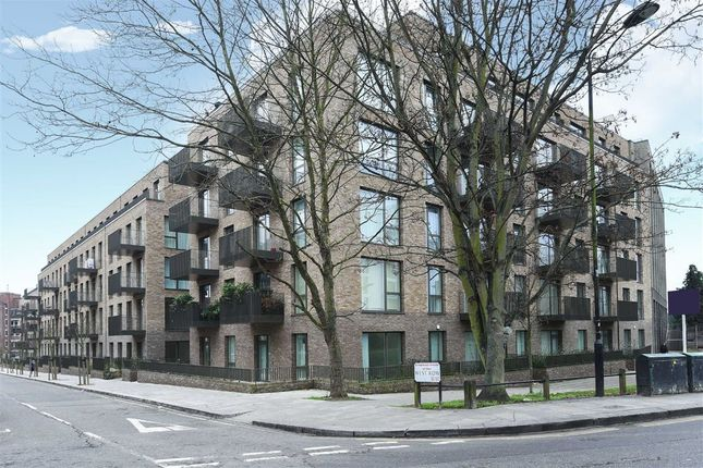 2 bed flat for sale in West Row, Notting Hill