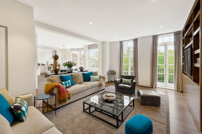 Thumbnail Flat for sale in Coleherne Court, Old Brompton Road, London