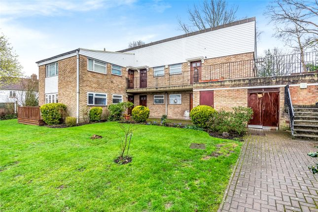 Studio for sale in High Tor Close, Bromley BR1
