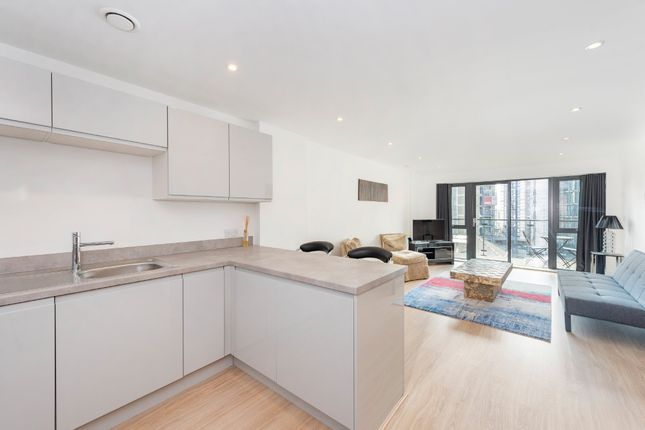 Thumbnail Flat for sale in Osiers Road, Wandsworth, London