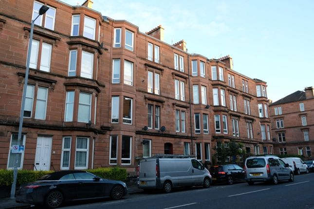 Thumbnail Flat for sale in Minard Road, Flat 1/3, Shawlands, Glasgow