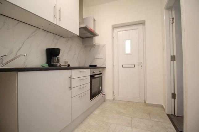 1 bed flat to rent in High Street, Cradley Heath B64