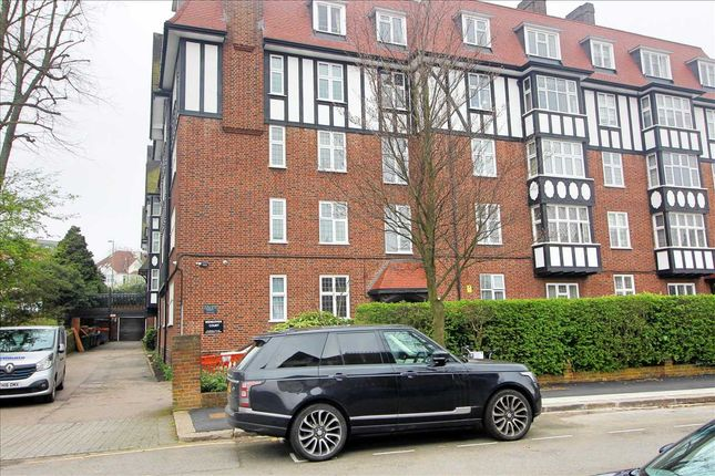 Thumbnail Studio to rent in Wendover Court, London