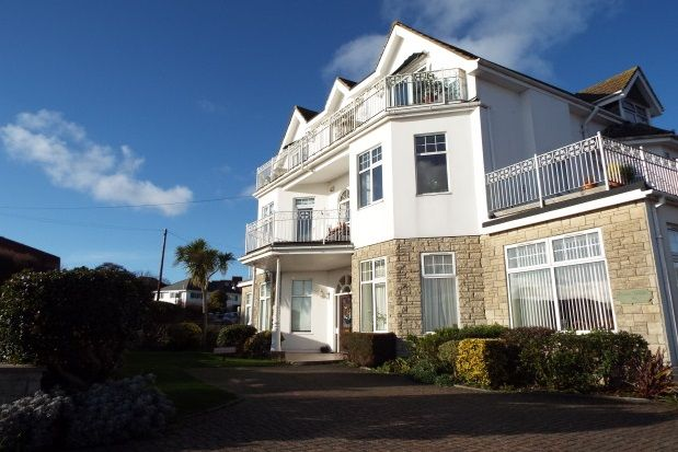 Thumbnail Flat to rent in Alumhurst Road, Westbourne, Bournemouth