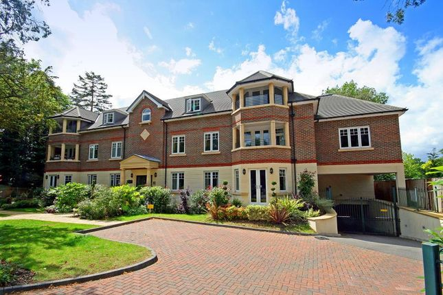 Thumbnail Flat to rent in Sambrook Court, Westfield Park, Hatch End