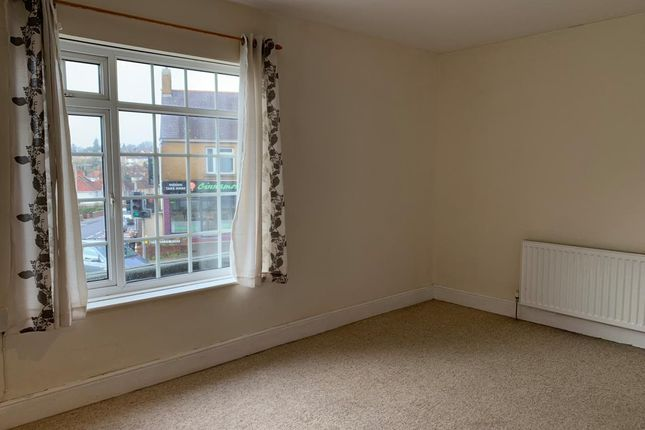 Thumbnail Flat to rent in Carnglas Road, Sketty, Swansea