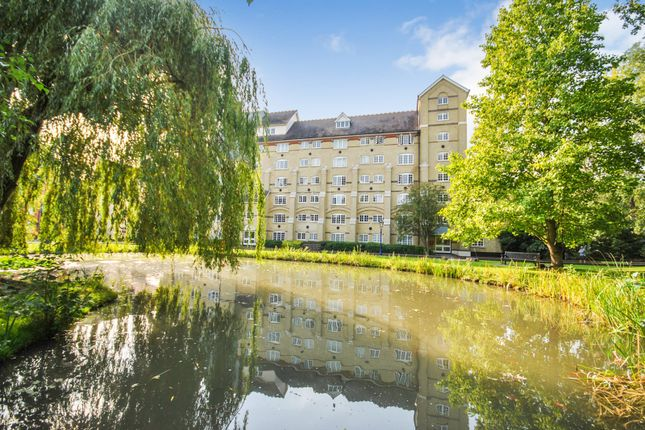 Thumbnail Flat for sale in Priors Court, The Maltings, Sawbridgeworth, Hertfordshire