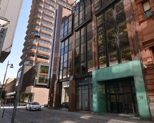 Office to let in 19 Spring Gardens, Manchester