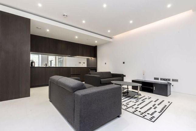 2 bed flat to rent in Water Lane, London EC3R