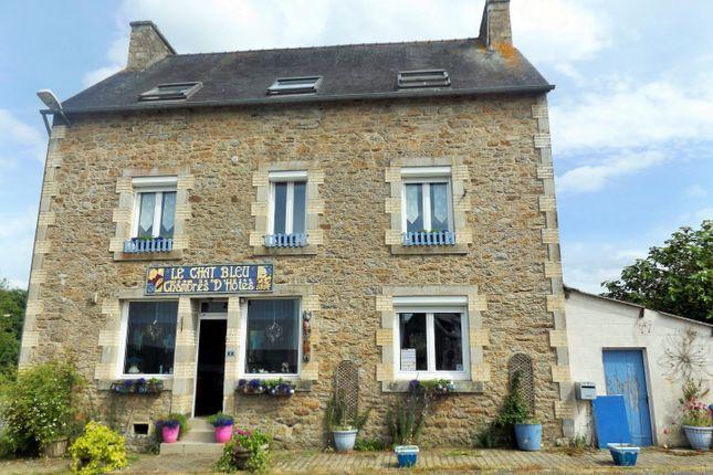 Plounévez-Quintin, Côtes-D'armor, Brittany, France