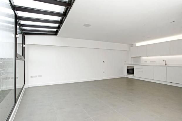 Thumbnail Flat to rent in Topham Street, Farringdon