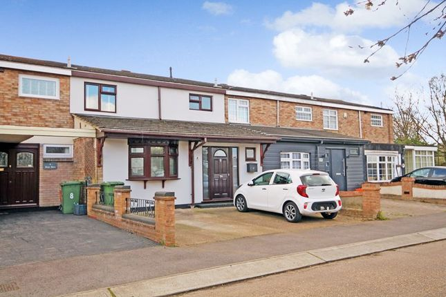 4 bed terraced house for sale in Rose Acre, Basildon SS14