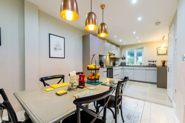 Thumbnail Property to rent in Cookham Crescent, Rotherhithe