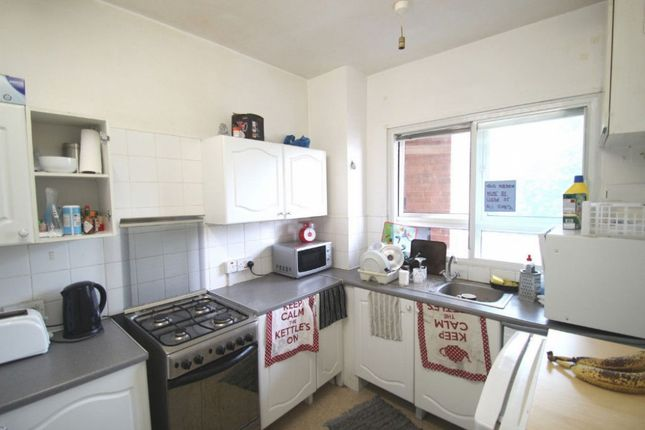 Thumbnail Flat to rent in The Chenies, Pancras Road, London