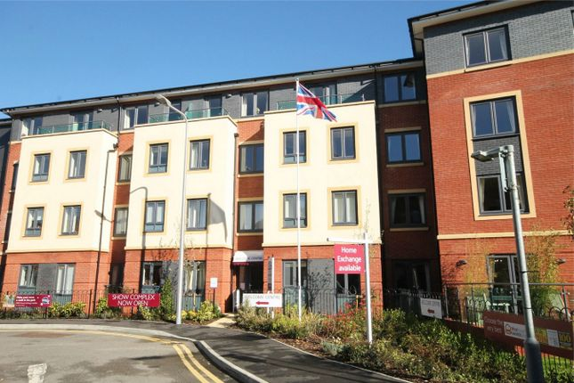 1 bed flat for sale in West Street, Newbury
