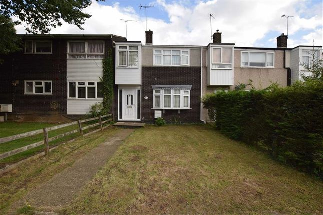 Thumbnail Terraced house for sale in Shepeshall, Basildon, Essex
