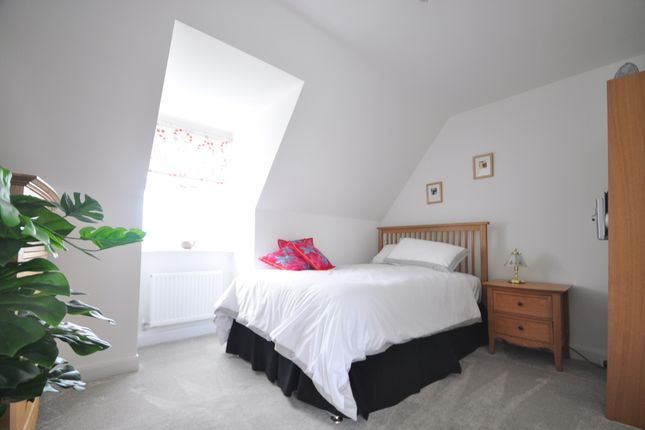 Thumbnail Room to rent in Manor Farm Close, Havant