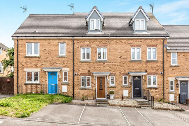 3 bed property to rent in Swallow Close, North Cornelly, Bridgend CF33