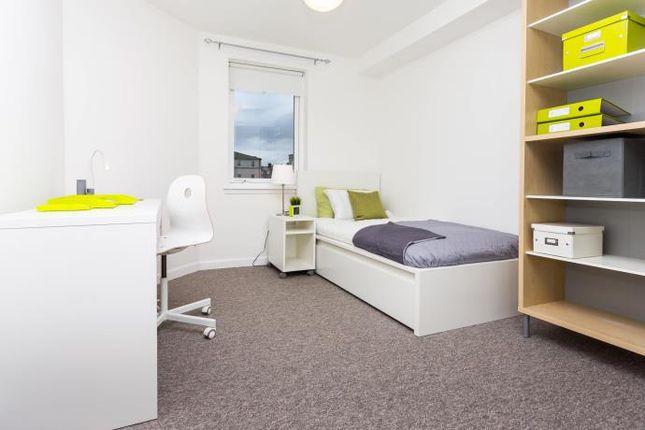 Thumbnail Flat to rent in Pittodrie Place, Aberdeen
